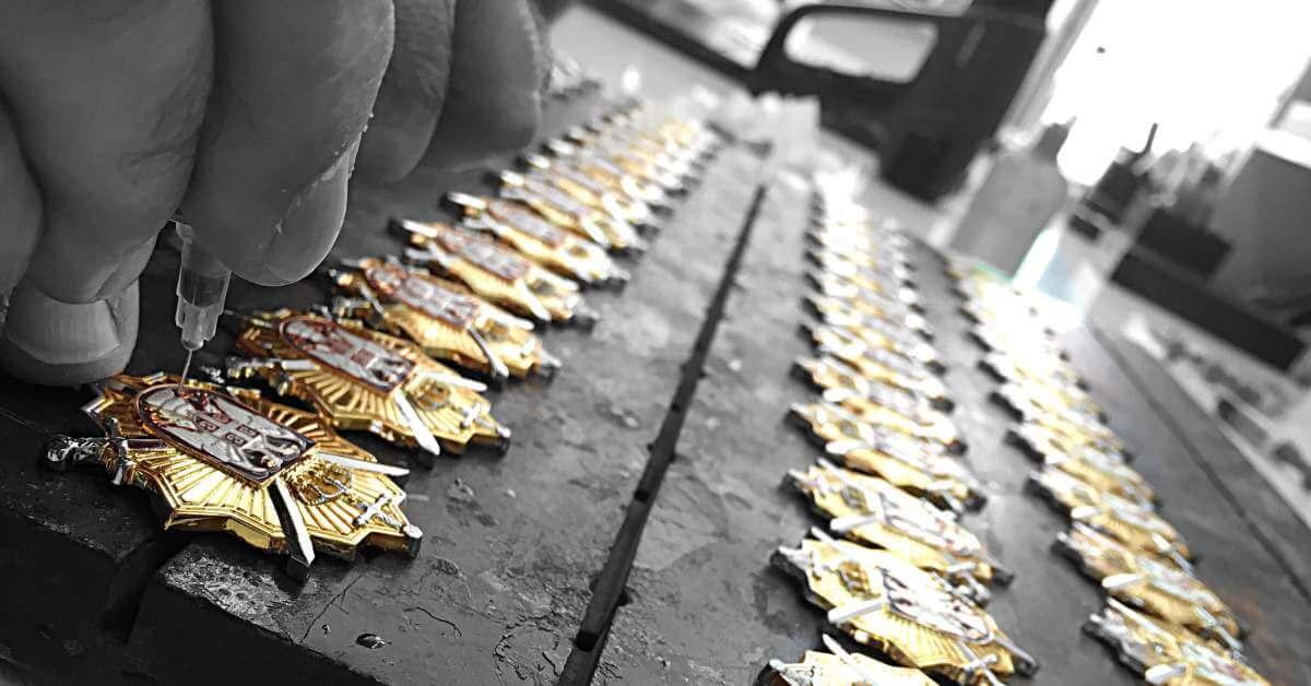 Alveto izrada privezaka - promotivni metalni privesci